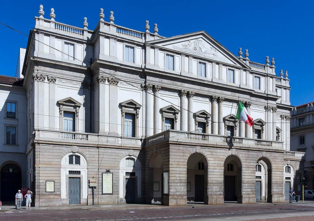 Milan Scala Facade (Di Jean-Christophe BENOIST - Opera propria, CC BY 3.0, https://commons.wikimedia.org/w/index.php?curid=16155701)